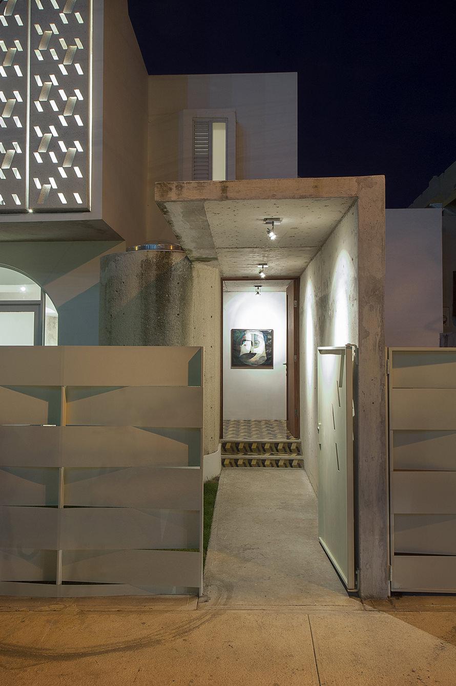 casa delpin entrance view miramar puerto rico.jpg