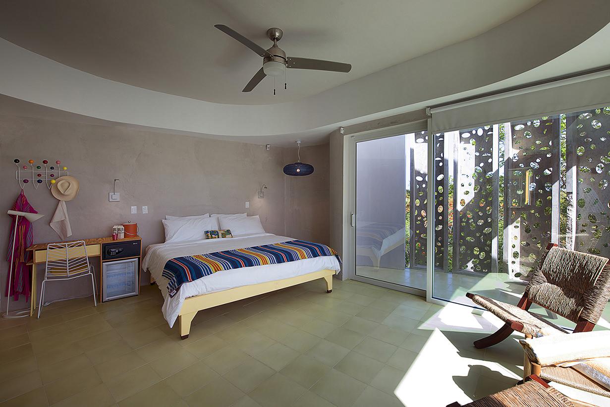 el blok hotel interior room vieques puerto rico.jpg