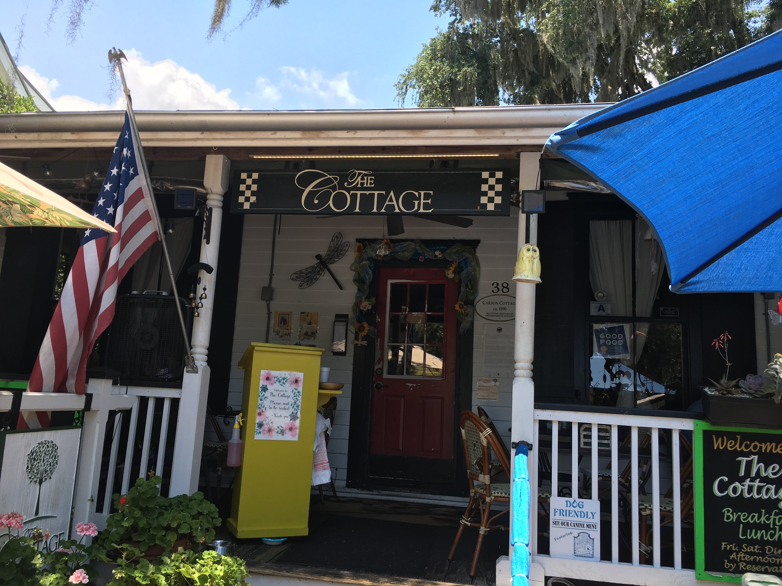 Bluffton - June 27, 2018 | FOODI go out to eat monthly with a group of friends. We call ourselves the Diners' Club, because there is no purpose to our meeting except to enjoy each other's company by enjoying a meal together. June's outing took us to The Cottage in Bluffton, S.C., an easy 40-minute drive from Savannah. Bluffton's main drag is Calhoun Street, and that's where we found the quaint little restaurant, located in what really appears to be an old cottage-style home. Seating is available on the porch and in two small dining rooms inside, which we opted for since we've been…