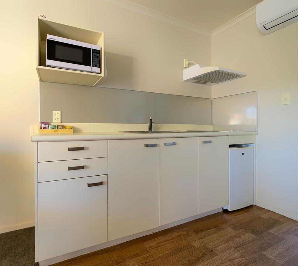 onebedroom-kitchen1.jpg