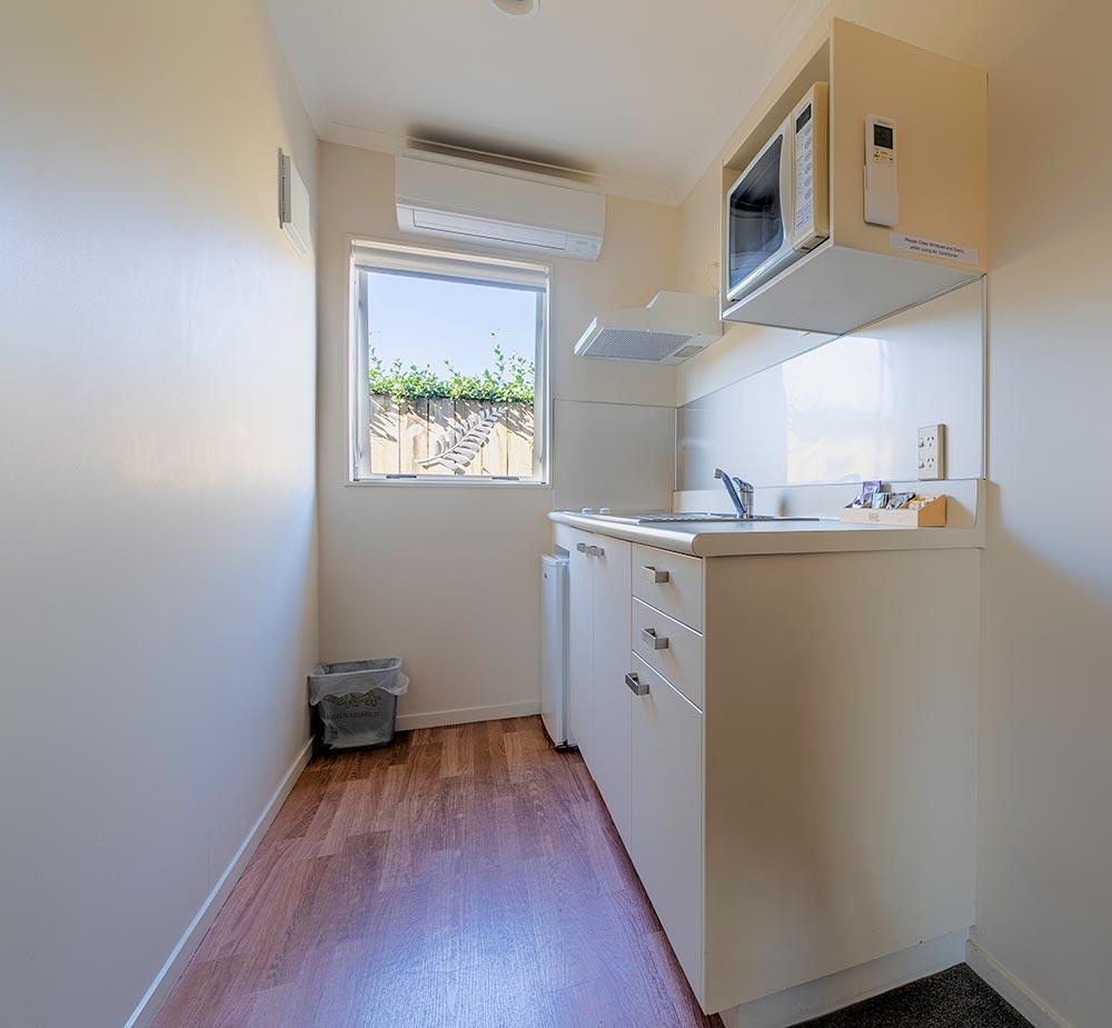 onebedroom-kitchen2.jpg