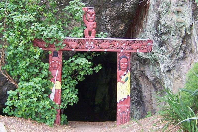 muruwai_cave.jpg