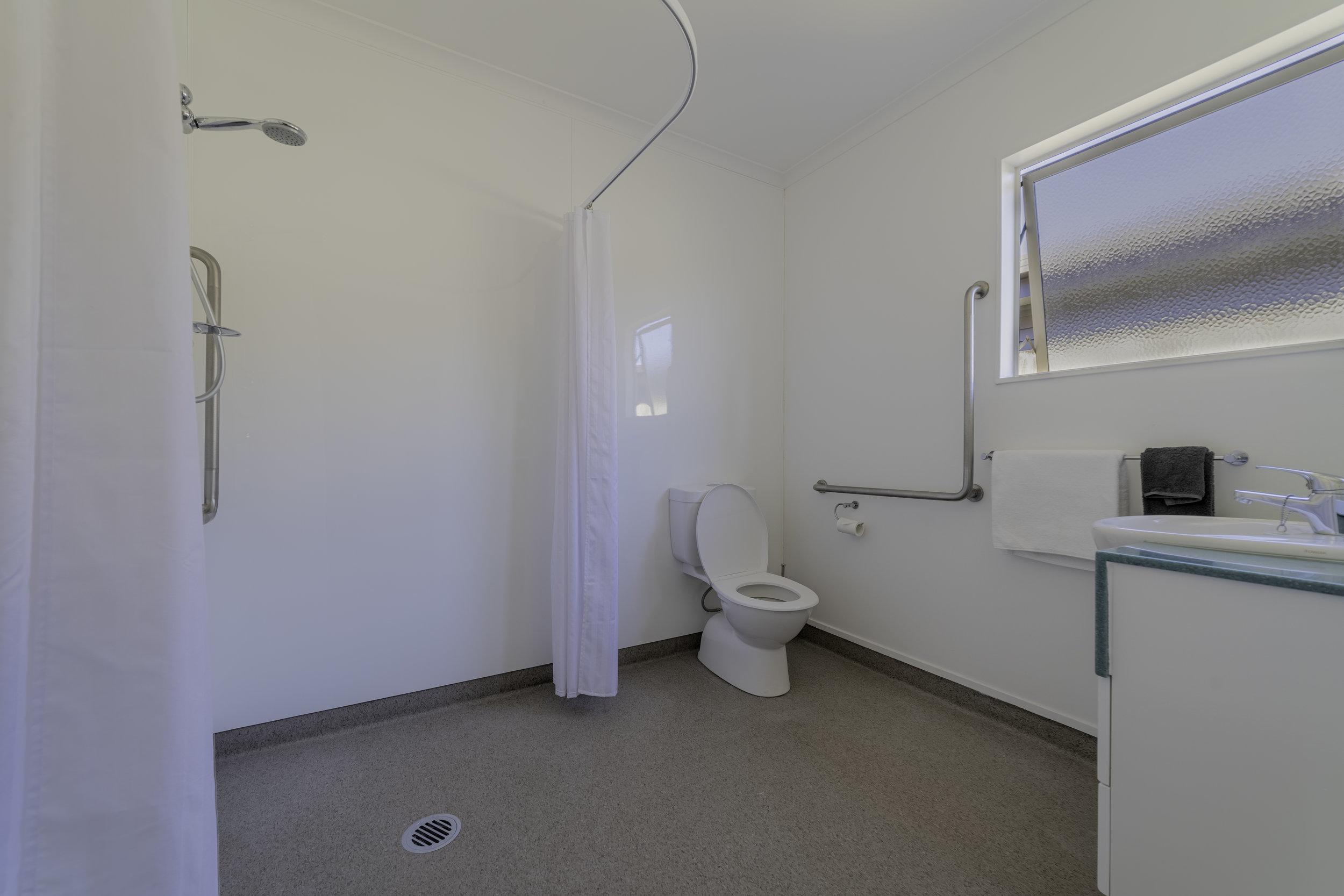room8 bathroom.jpg