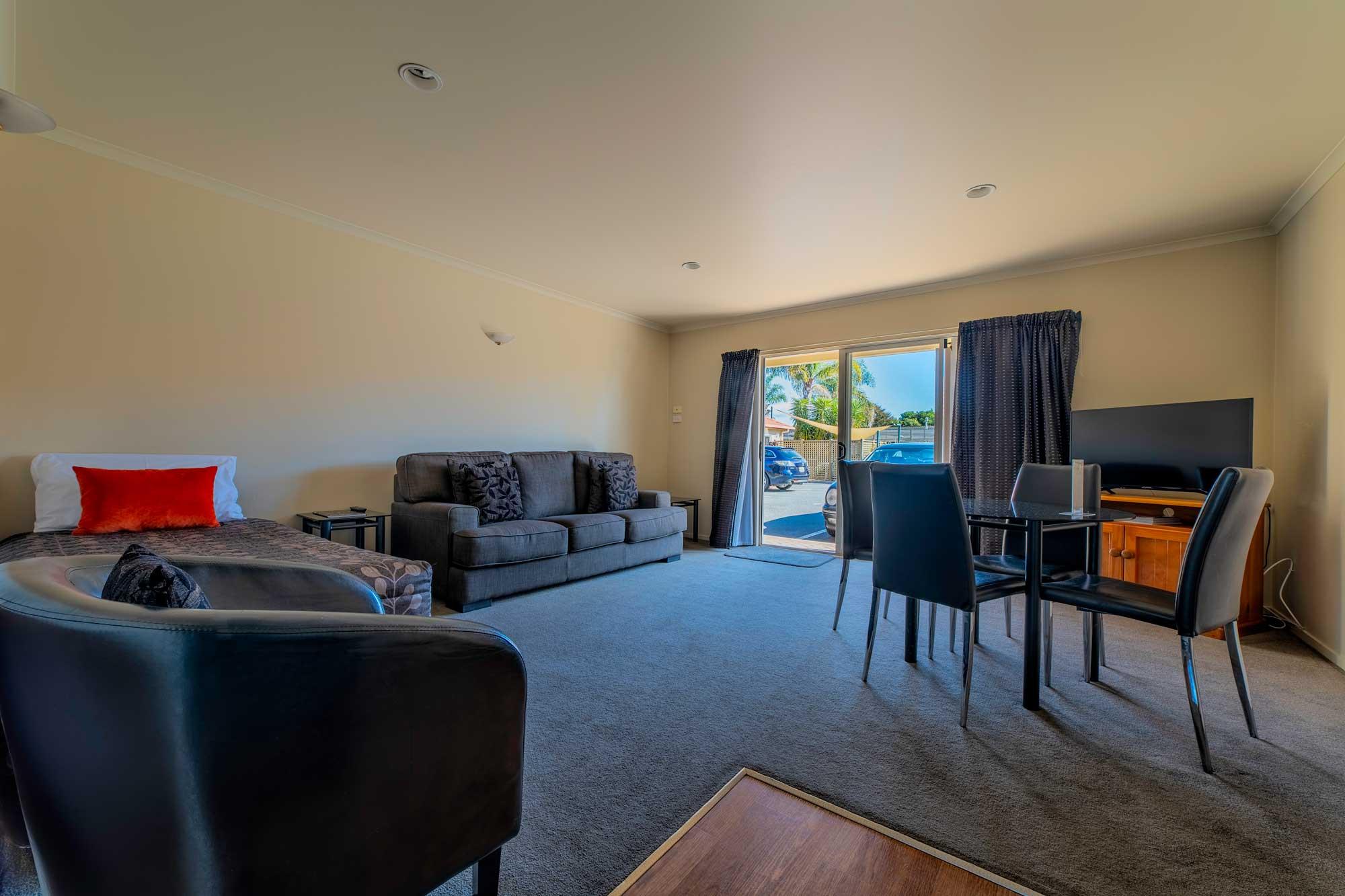 room3-one-bedroom-suite.jpg