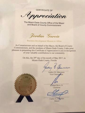 - The Consul receives a Certificate of Appreciation from the Mayor of Miami, May 29, 2017Le Consul recoit un Certificat d'Appreciation du Maire de Miami, le 29 mai 2017
