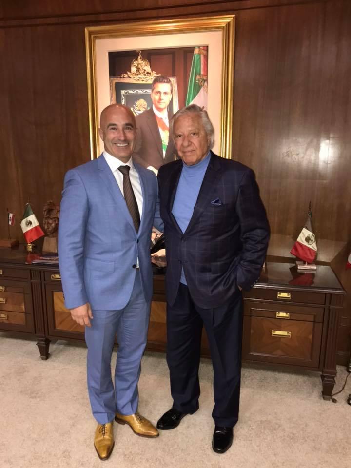 - Le Consul Honoraire de la République de Guinée l'Honorable Jordan Garcia et son ami l'homme d'affaires A. Name à Mexico City: présentation des opportunités d'investissements en République de Guinée, Mexico City le 17 Octobre 2018