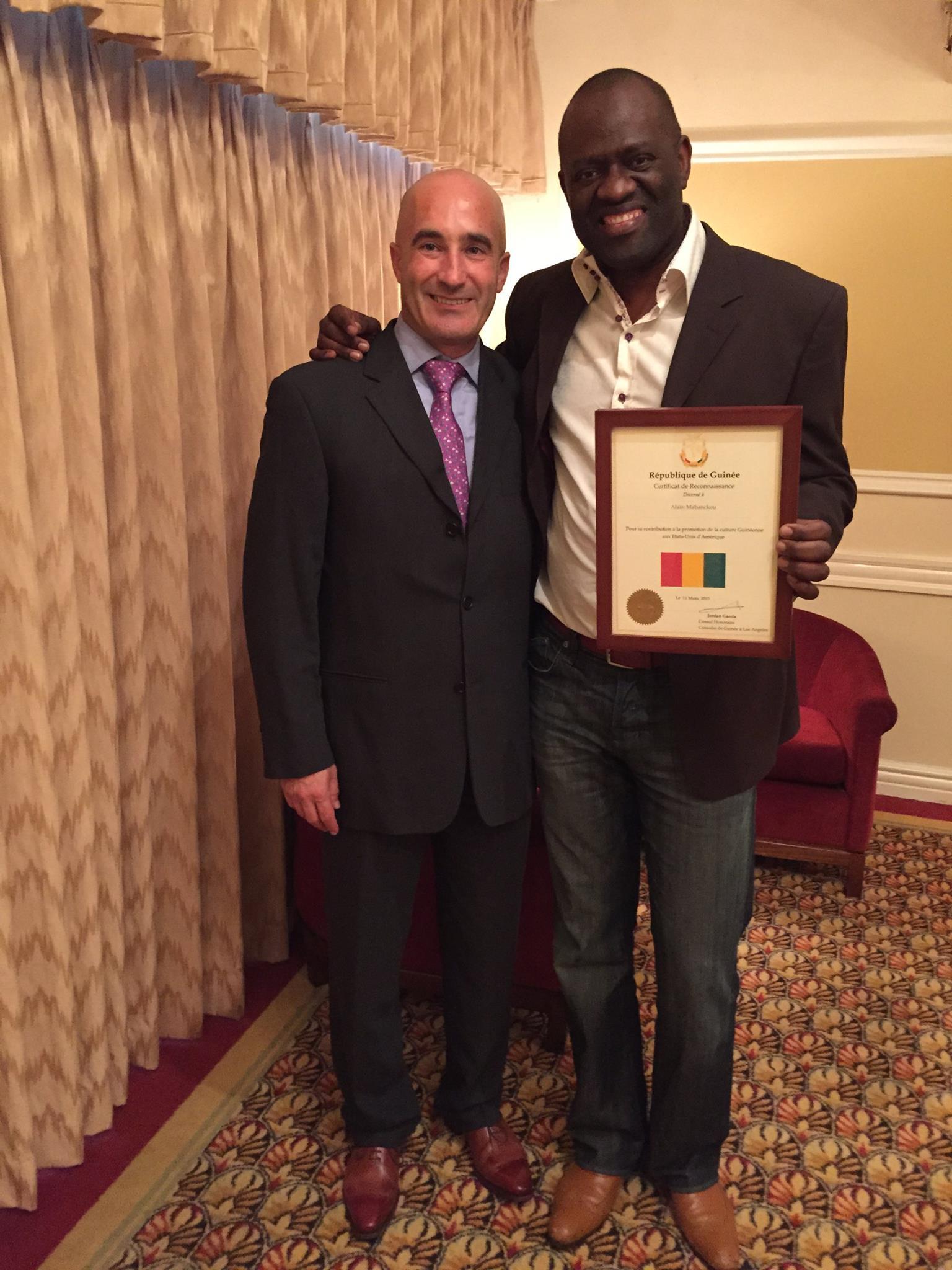 """- """"En 2015 j'avais remis un Certificat de Reconnaissance au nom de la République de Guinée a mon ami le célèbre écrivain Alain Mabanckou il y avait beaucoup d'emotion dans la salle… """""""