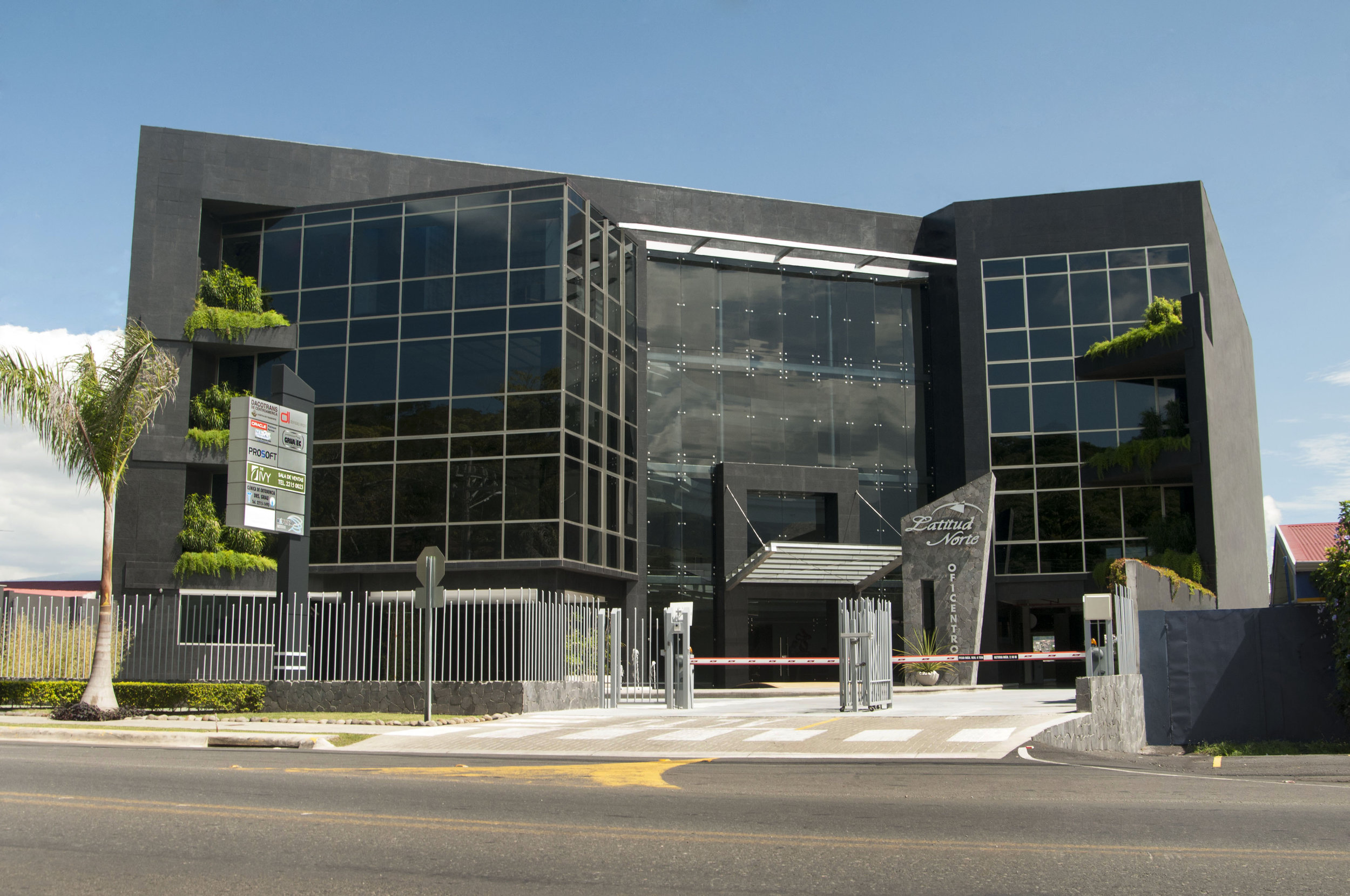 Oficentro Latitud Norte.jpg
