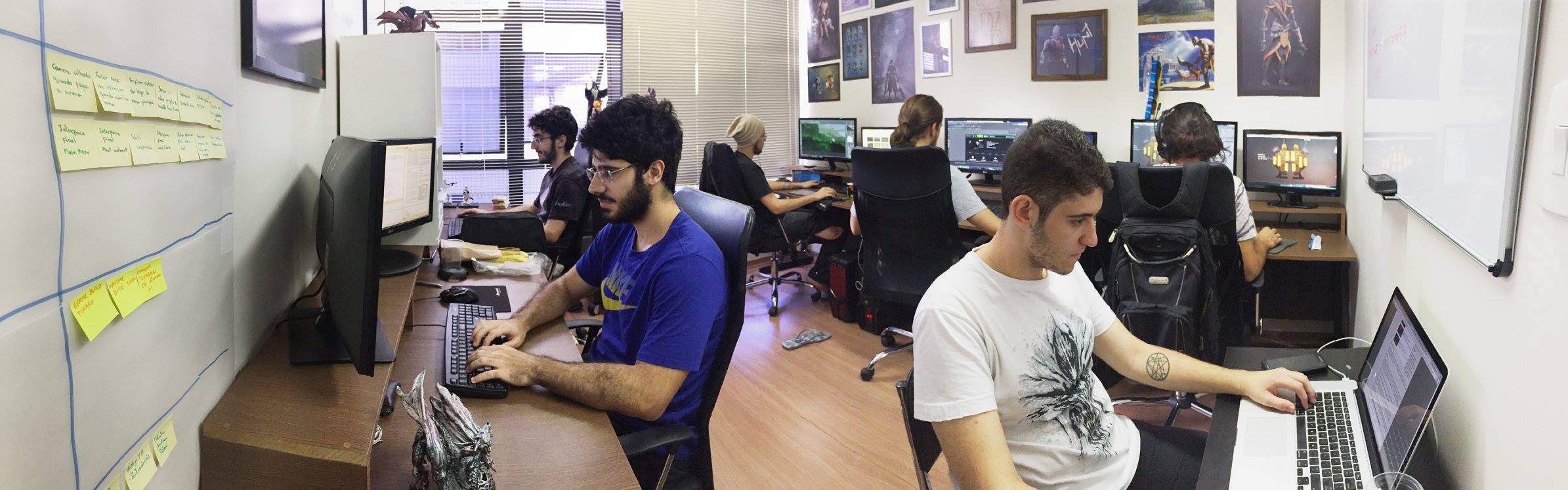 TDZ Games já conta com sete integrantes fixos. Na foto, Daniel e Tiago Zaidan aparecem à esquerda, ao lado de Lucas Augusto, à direita.