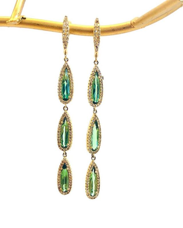 Green Tourmaline Tear Drops 💧💧#jewelry #jewelrydesigner #tourmaline  #earrings #gold #diamonds