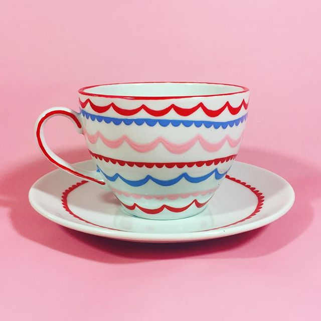 I'm dropping off a bundle of goodies to the gift shop at Brea Gallery today, this variation on my classic teacup will be among them 🎉 . . . . #teacup #tealover #bunting #printandpattern #surfacedesign #cutethings #teacupcollection #teatime @breagallery