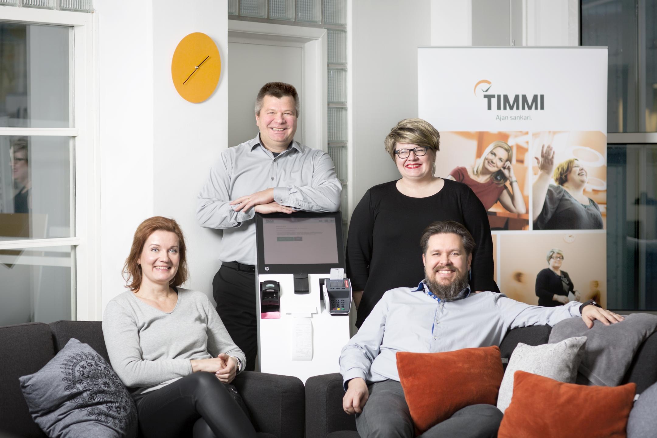 Timmin myyntitiimi ja toimitusjohtaja Jukka Valkonen
