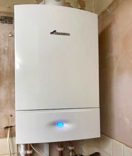 Worcester 30ri Compact - Install, Reading, 7 bedroom shared occupancy accommodation. 10 year warranty