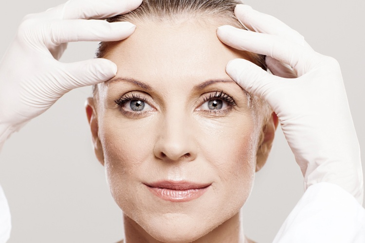 key treatment areas - Blepharoplasty targets excess skin that cannot be treated with just Botox™ alone. This treatment can help improve peripheral vision if this is blocked by sagging skin. It also targets eye-bags and wrinkles around the eye area, improving their appearance.