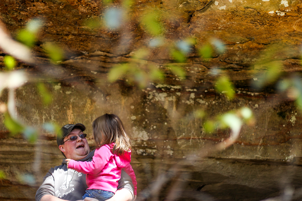 Father-daughter moments are the sweetest. Family session in North MS