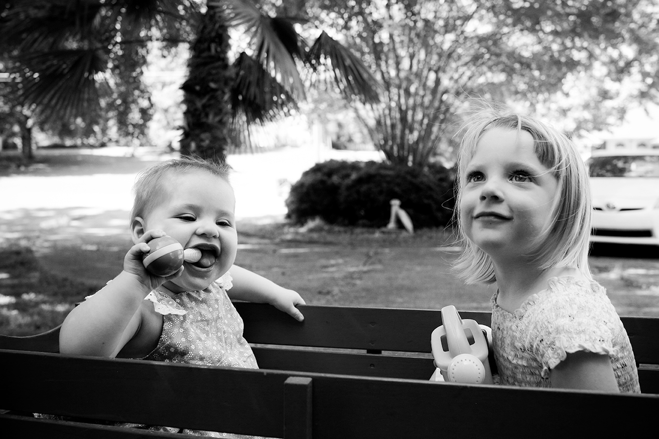 documentary-family-sisters-wagon-mini-session-oxford-ms.jpg