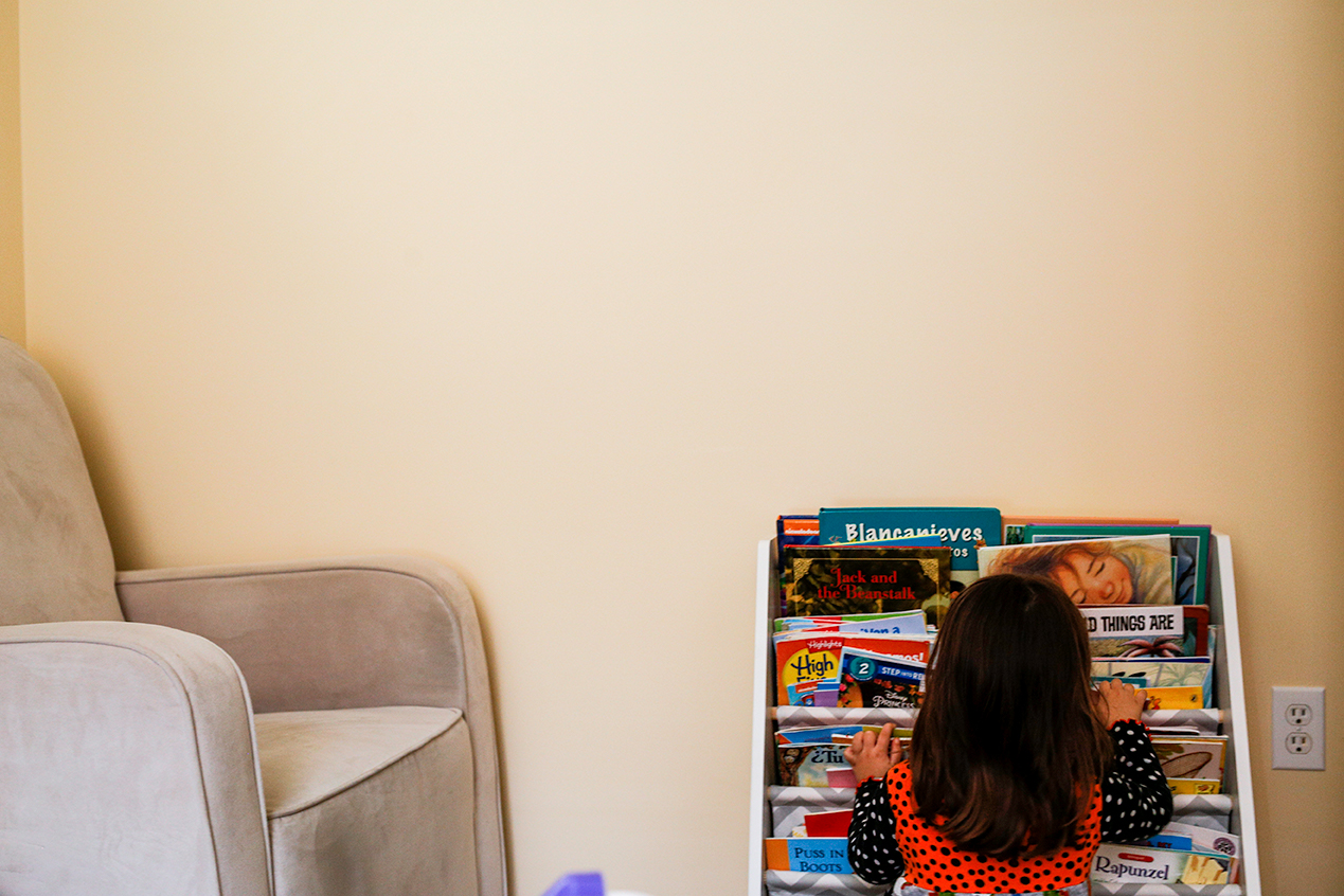 day-in-the-life-family-session-girl-books-north-ms.jpg