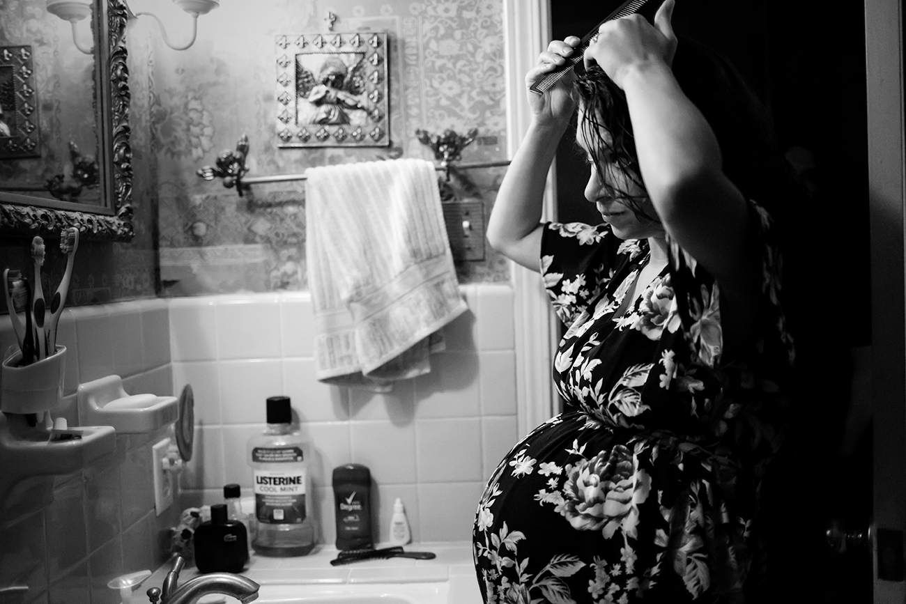 documentary-maternity-session-photo-getting-ready-hair-clarksdale-mississippi.jpg
