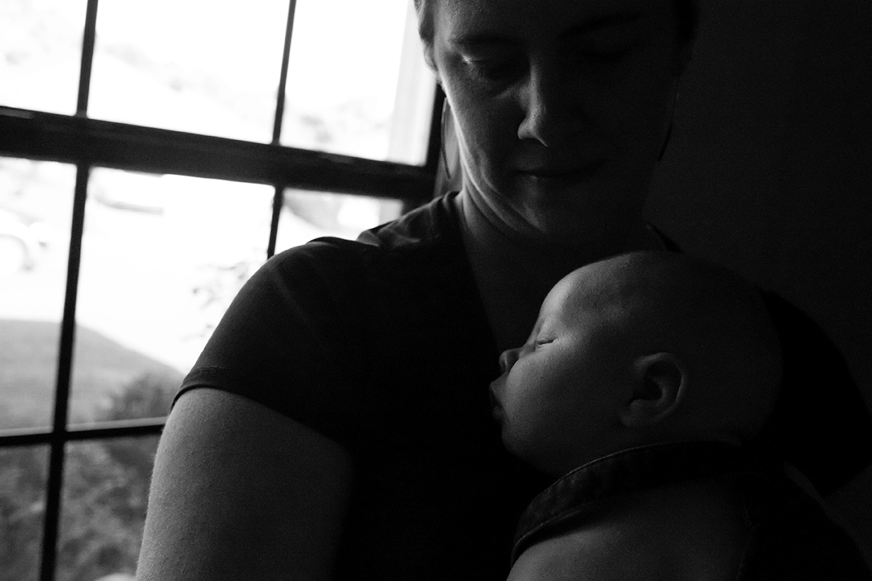 newborn-documentary-session-oxford-ms-black-and-white.jpg