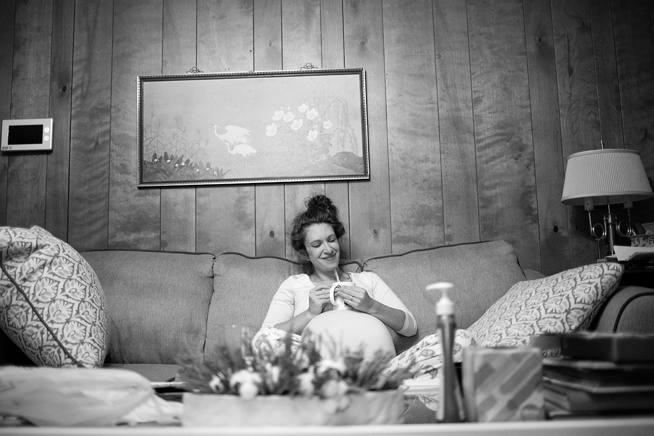 Capturing a morning in late maternity is a perfect idea for a five hour session, much like this one in Clarksdale, MS.