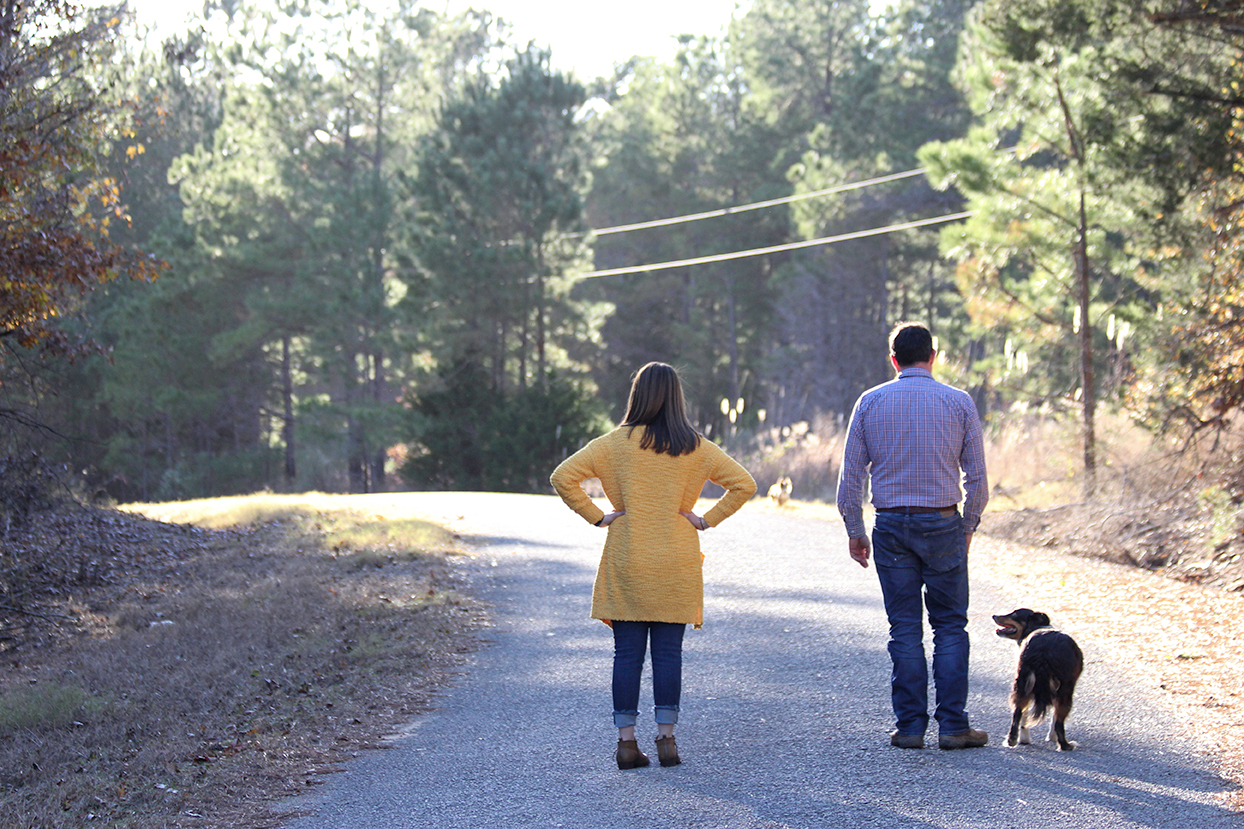 dog-and-couple-mini-session-family-documentary-photography-north-mississippi.jpg