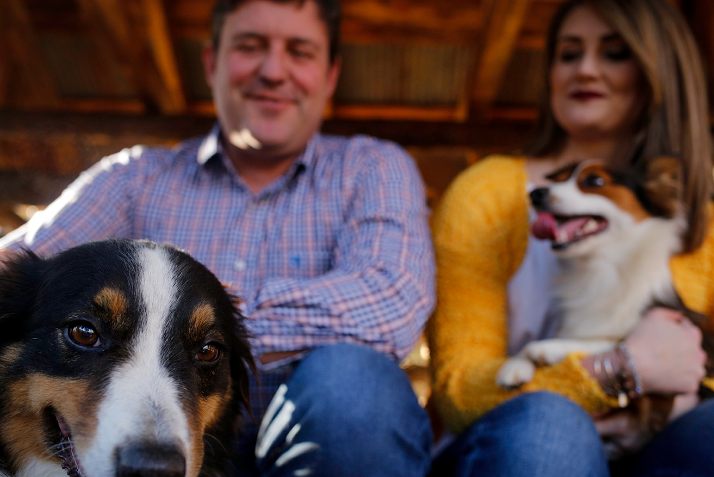 dog-peeking-happy-couple-mini-session-documentary-family-photography-north-mississippi.jpg