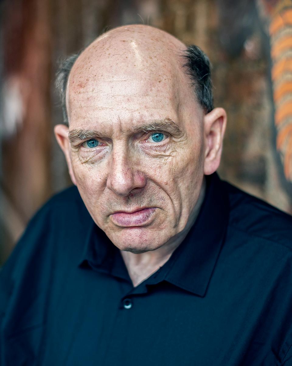 London Actor Paul Outdoor Headshot