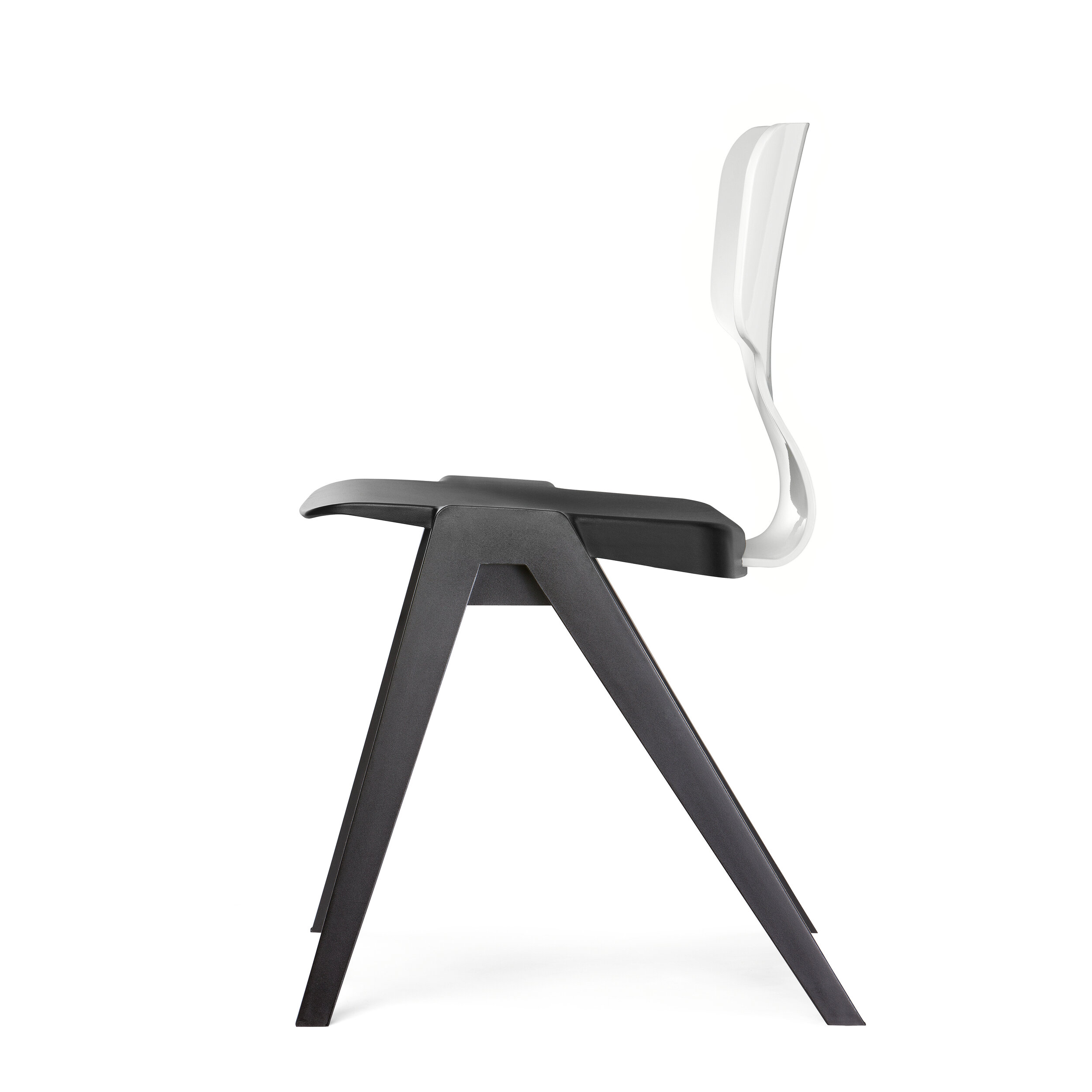 INEKE HANS: A380 SEAT FOR AHREND  This chair consists of two components, so easy to (dis)assemble. And both recyclable. The flexible back is made from Xenoy with recycled PET.  www.inekehans.com