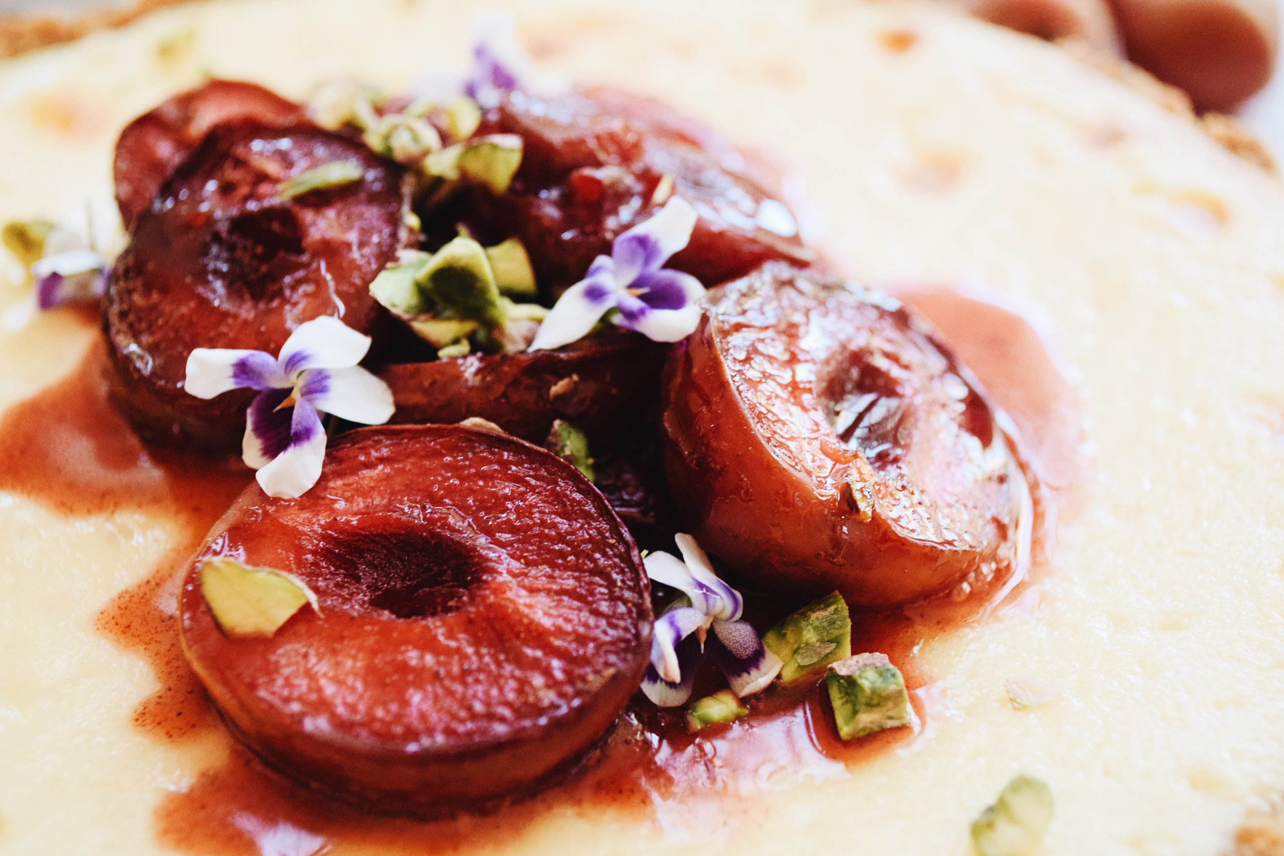 roasted plums with pistachios