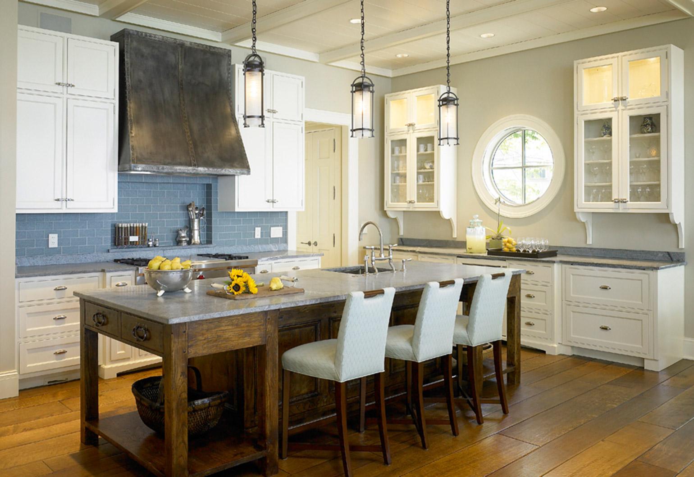 Lakefront_Luxury_Content_1_Kitchen.jpg