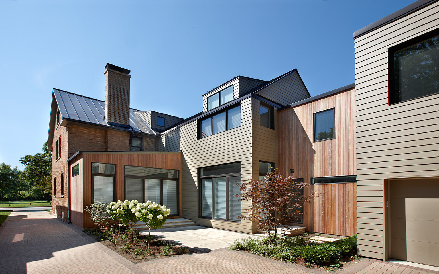 Modern_Sustainability_Content_2_Rear_Exterior.jpg