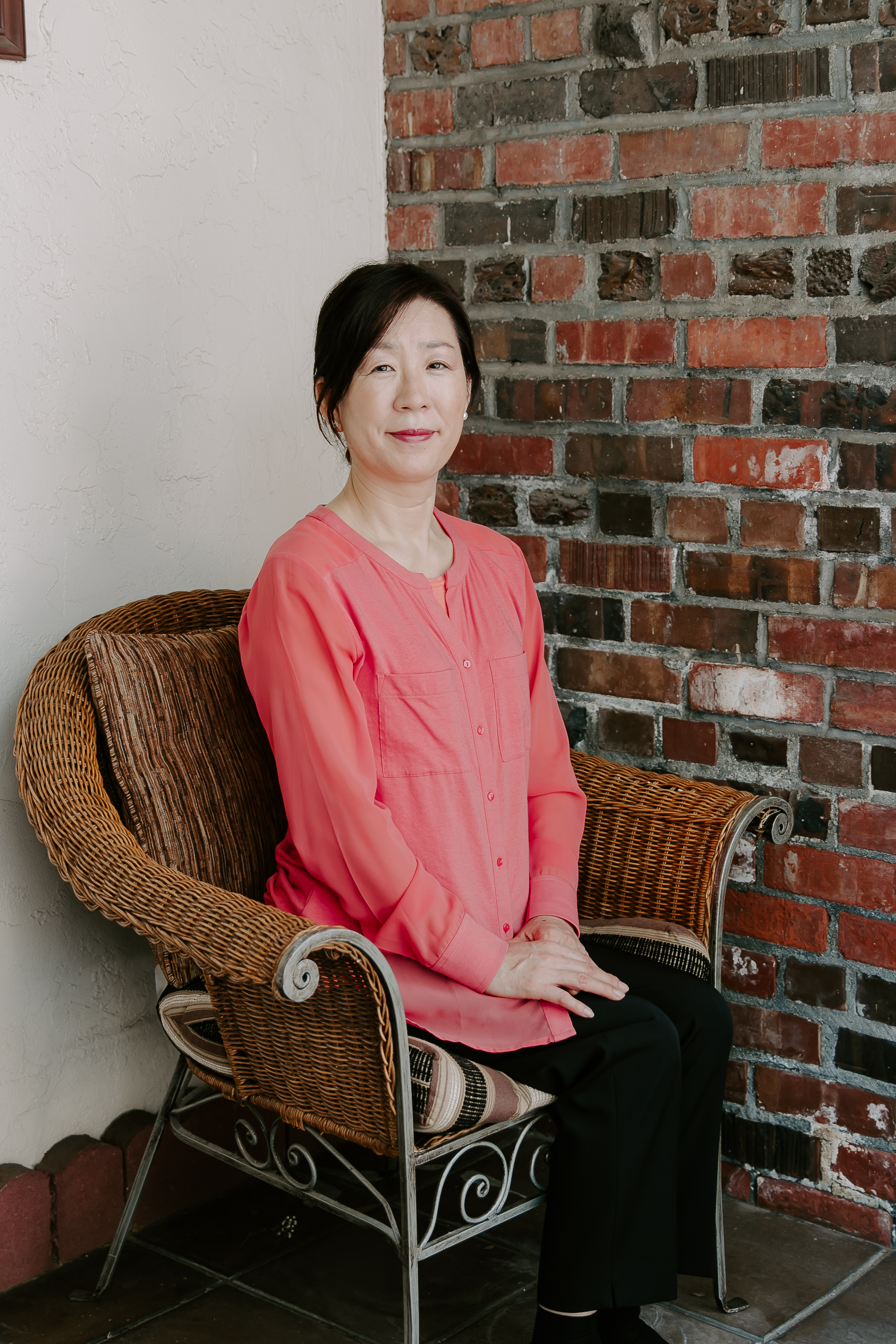 Meet the Owner - Born in South Korea the home of K-Beauty, Joyce has grown a natural eye and affinity for esthetics growing up. She has brought in multiple products for Piel Fina Spa that has proven to be effective time and time again for each individual. She not only has a passion for our clients skin needs, but she also aspires to provide a comfortable environment, where you can feel at home. Her warm and welcoming enthusiasm partnered with her professional passion for esthetics will make you feel cared for.