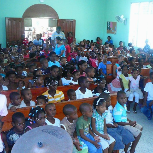 Kids at Vacation Bible School in the Dominican Republic