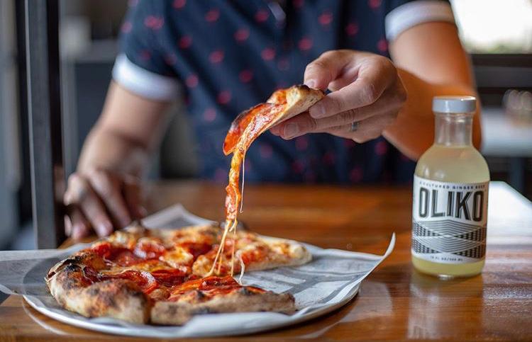 eatqueer_jarry_pizzerialocale_4.jpg
