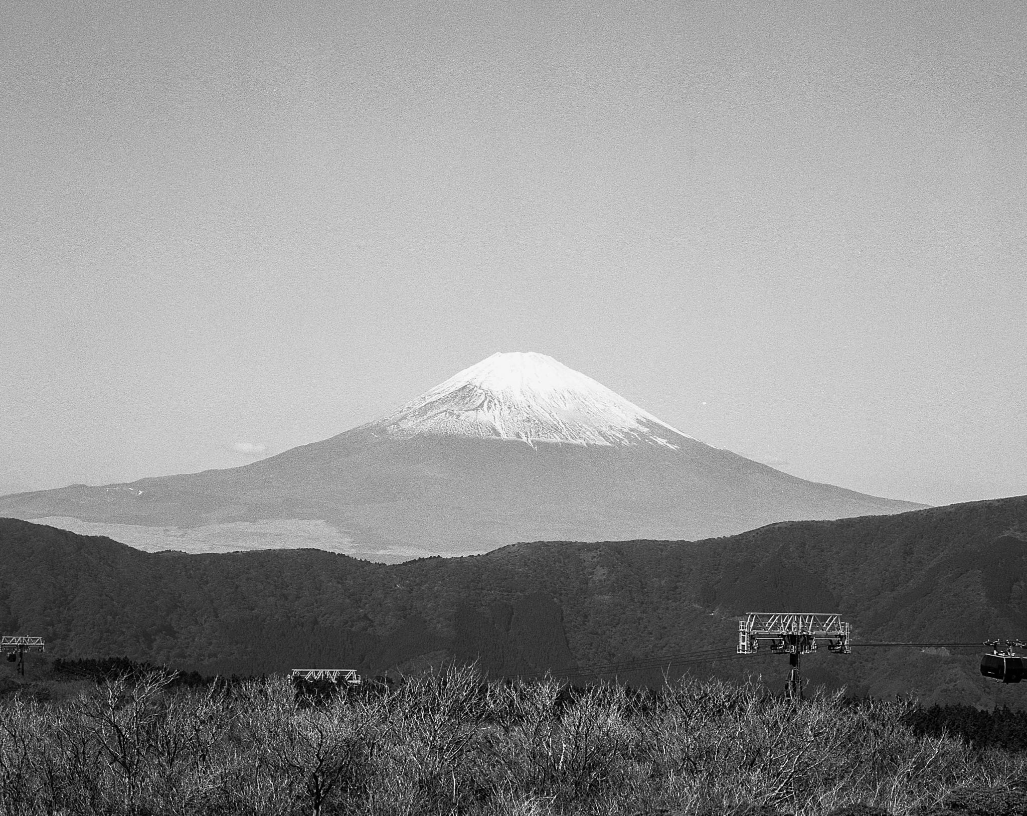 Mt. Fuji (Mamiya 7ii Ilford HP5+)
