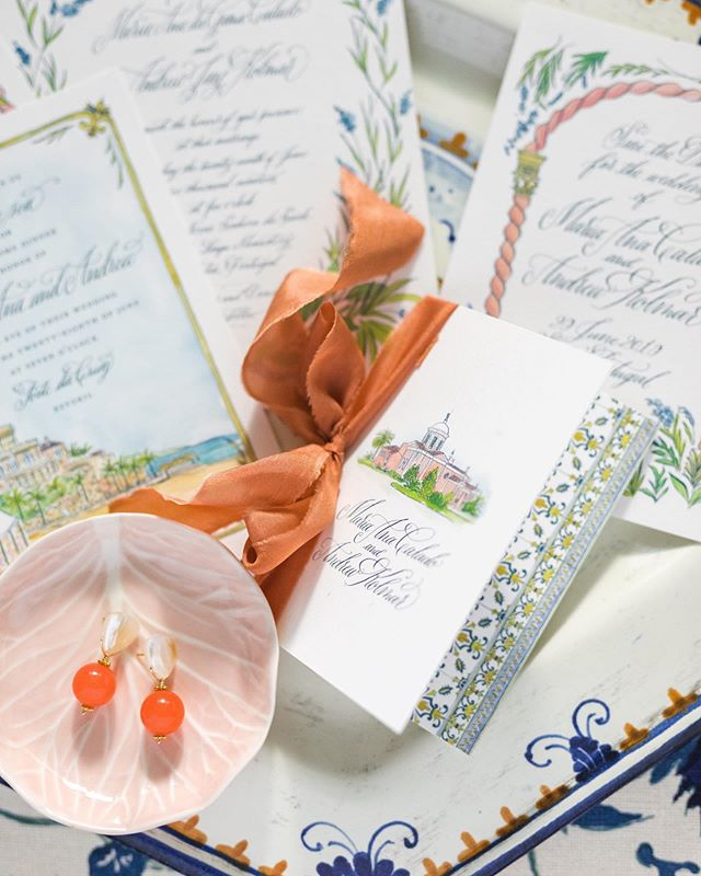 Summertime favorites 🧡 @hazenandco Claire earrings with the perfect coral drop 🧡@toryburch Dodie Thayer lettuce ware in pink 🧡 and this wedding suite for a dreamy wedding in Portugal a few weekends ago 🧡 photo by @mary_margaret_smith and styling by @caseysnipes 🧡 . . . #illustrator #handdrawn #artistofinstagram #weddingstationery #prettyweddinginvitations #weddingprogram #uniquesavethedates #invitationsuite #weddingpaper #weddingcalligraphy #weddinginspiration #dailydoseofpaper #ihavethisthingwithcolor #flashesofdelight #paperlove #makersmovement #acolorstory #abeautifulmess #pursuepretty #smploves #sendmoremail #sodomino #snailmail #designlove #portugalwedding #sintra #dodiethayerfortoryburch