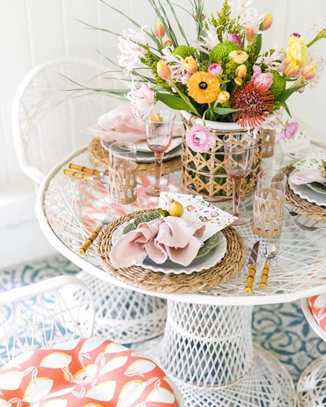 "The perfect summer soirée ""styled shoot"" on my porch with @dixie_design @caseysnipes and @mary_margaret_smith is up in the Dixie blog. My vintage spun fiberglass set from @maryandwilma made the perfect spot for this tropical tablescape inspired by @inslee Chintz Exotica art. Beautiful florals by @huckleberry_collective 🍊 . . . #dailydoseofpaper #ihavethisthingwithcolor #flashesofdelight #paperlove #makersmovement #acolorstory #abeautifulmess #pursuepretty ##happysquares #smploves #sendmoremail #snailmail #southerndesign #designlove #seekthesimplicity #theeverygirl #igbham #summerstyle #spunfiberglass #southernliving"