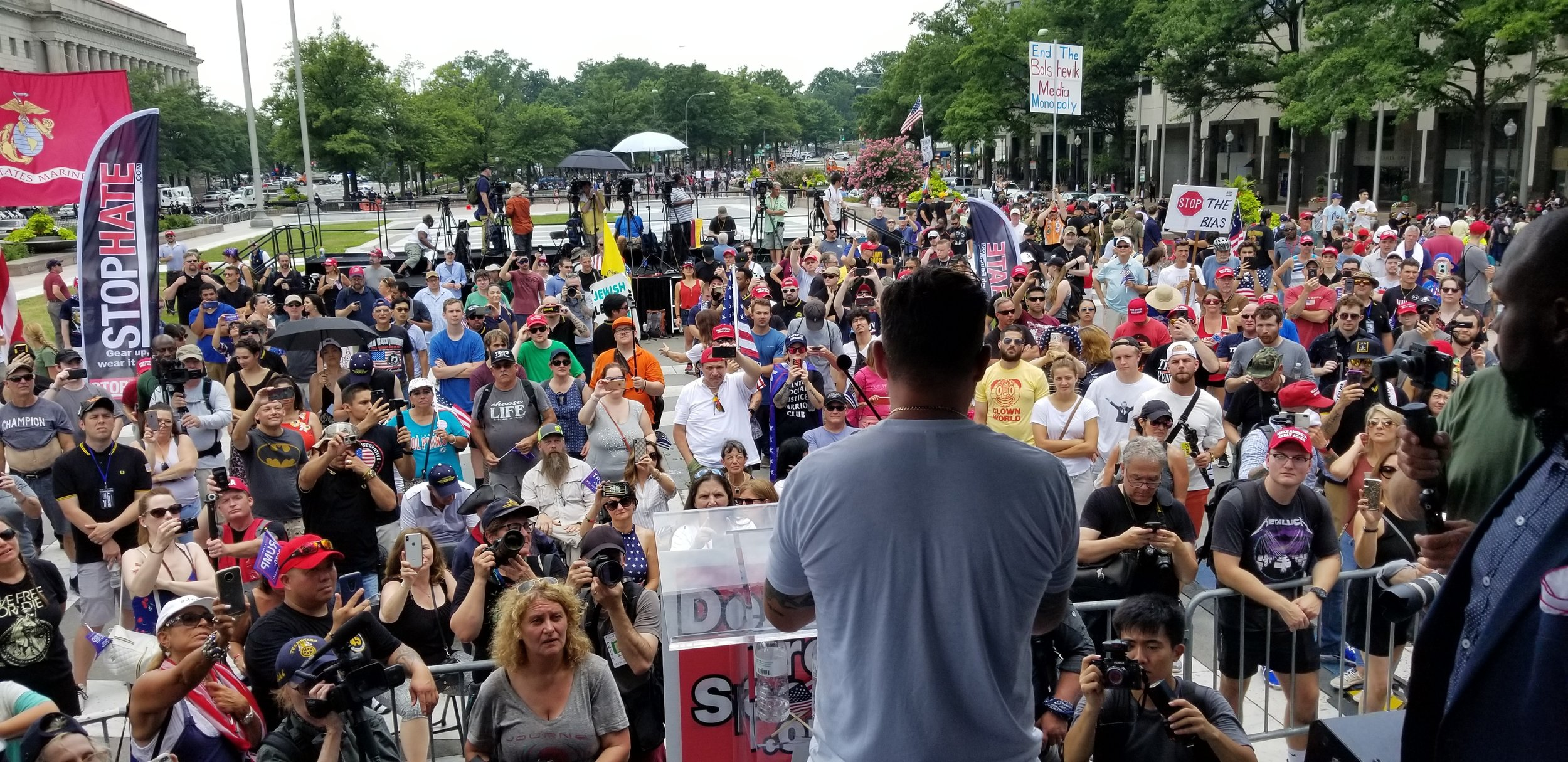 large-crowd-at-stop-hate-demand-free-speech-rally-in-dc.jpg