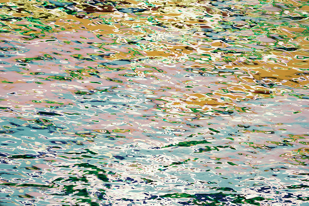 COLOURFUL WATER PATTERN