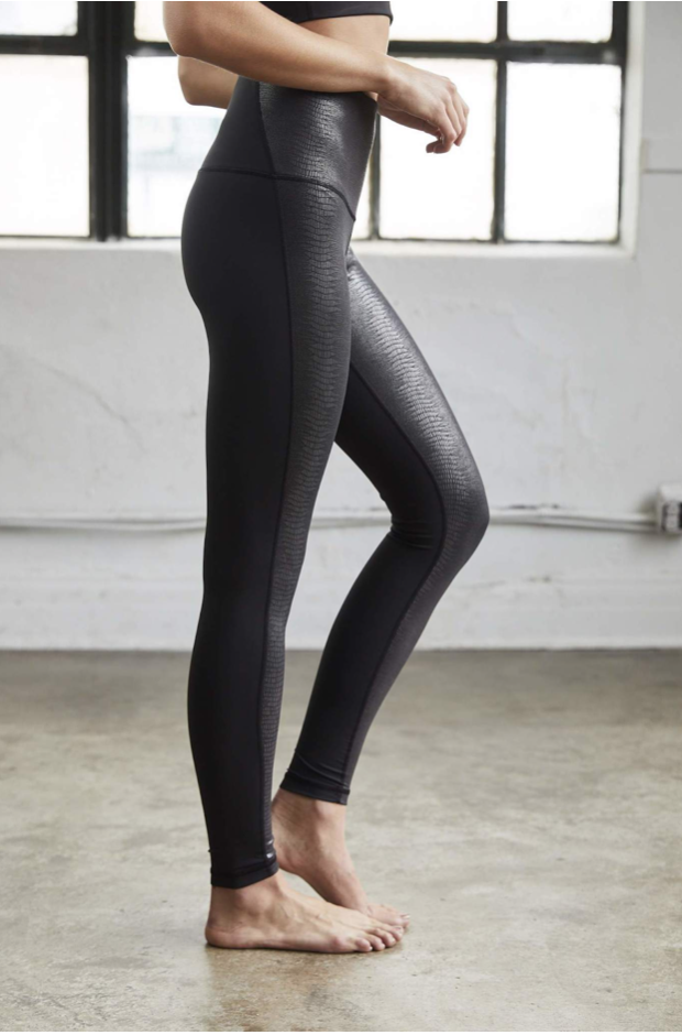 DYI Printed leggings - Available at Savarese