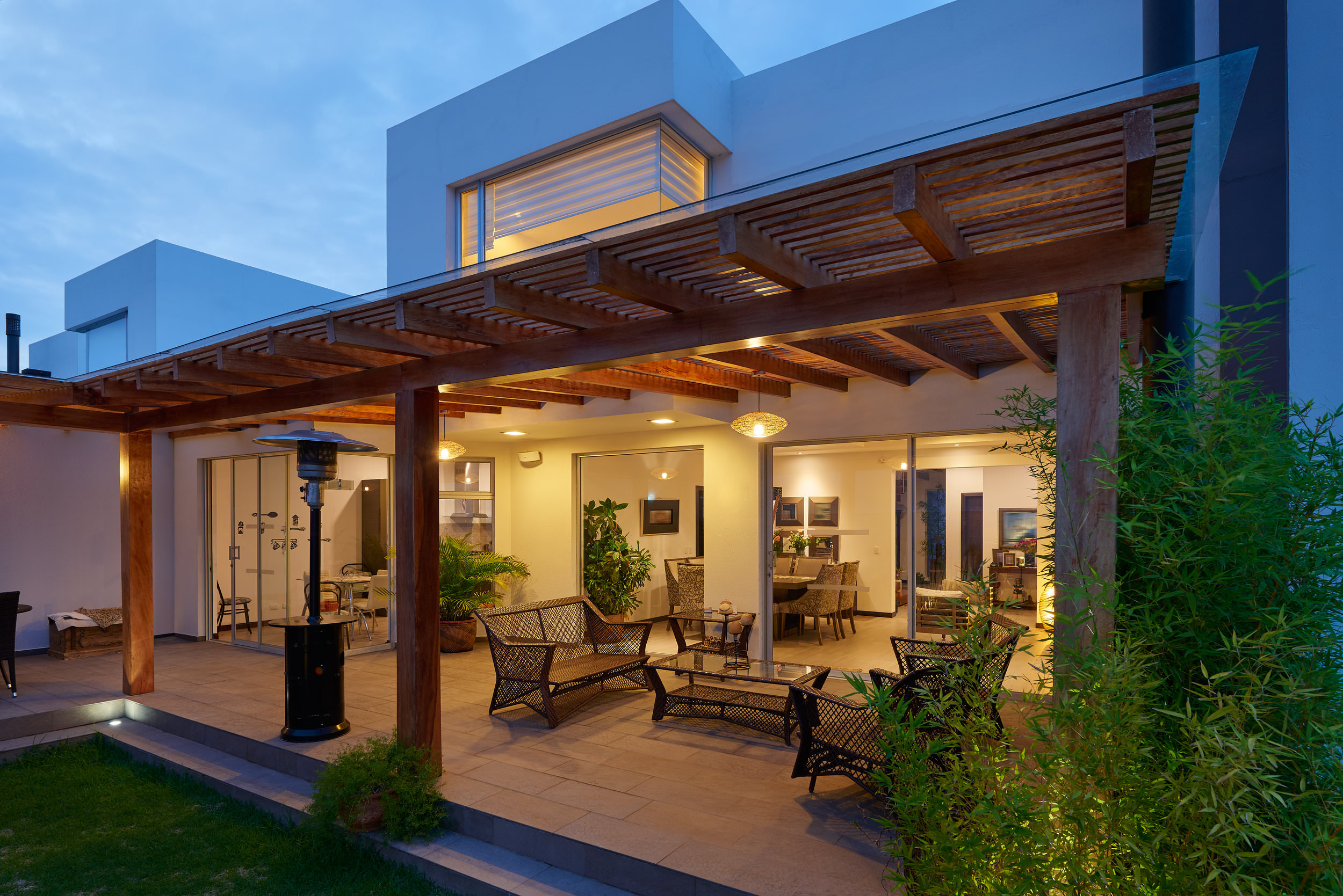 Outdoor entertainment space remodel in Southern California