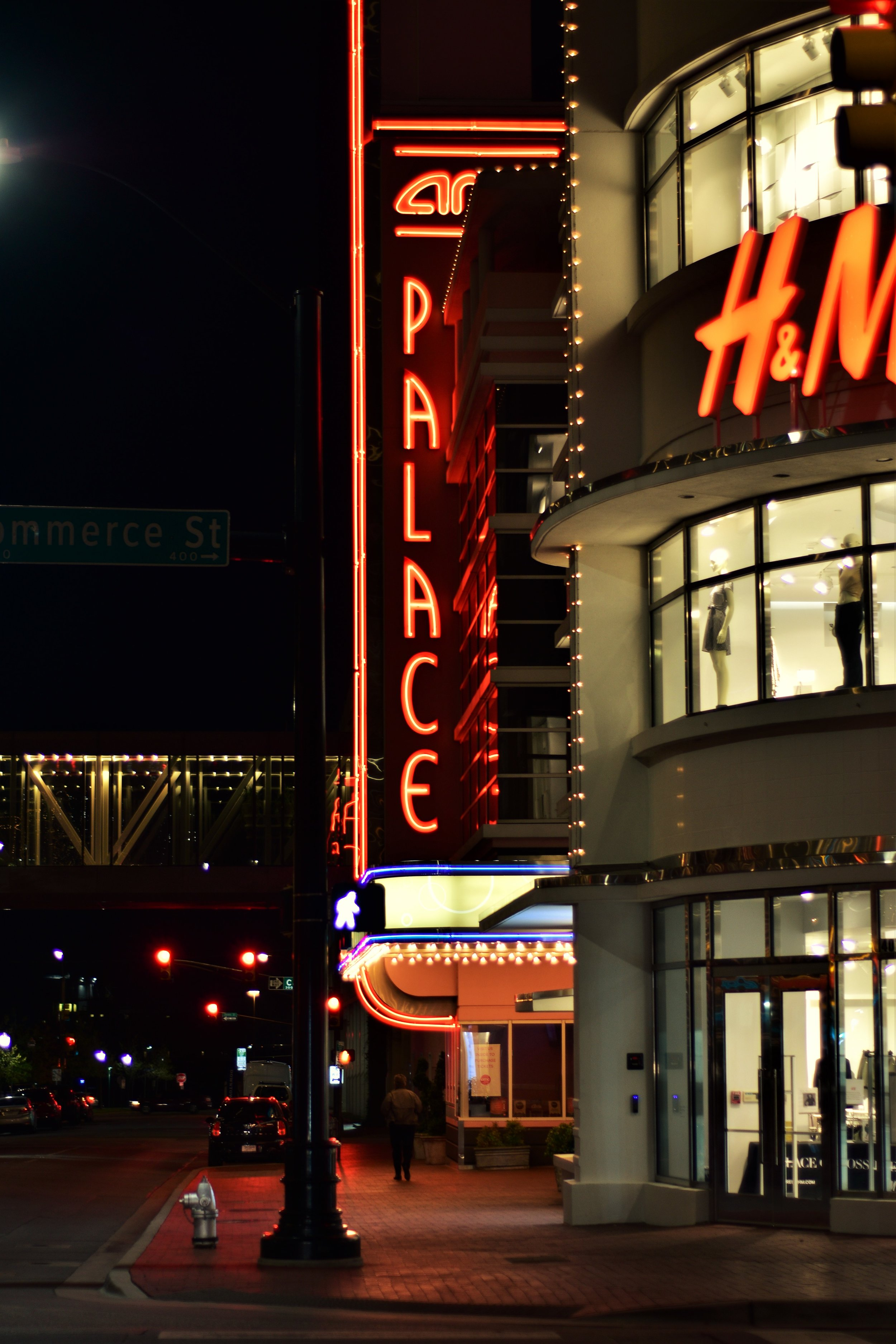 AMC Palace 9 and H&M in Fort Worth