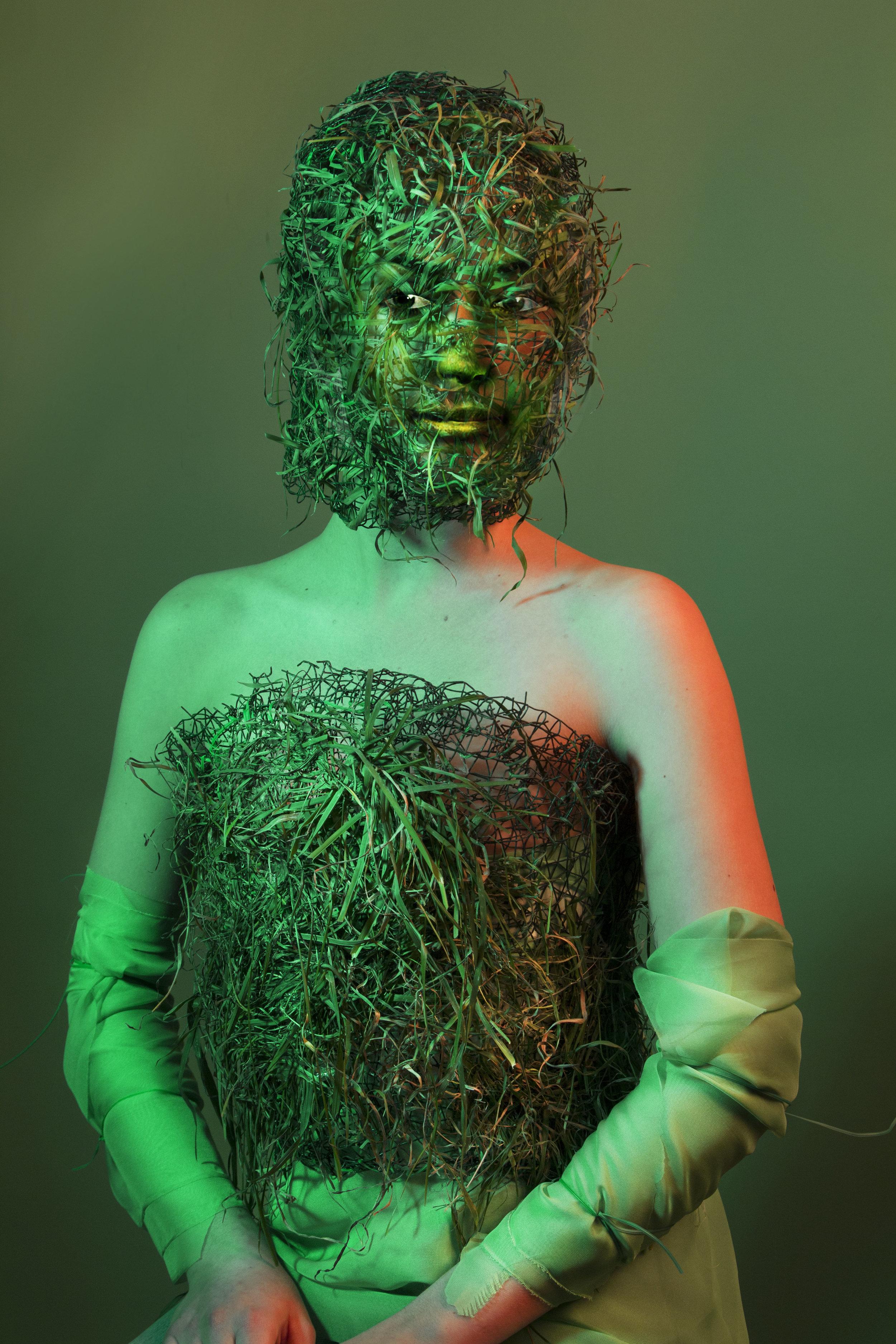 Grass Girl_22.jpg