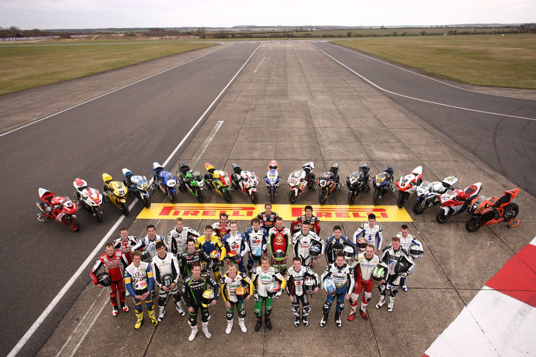 Pirelli Back the 2010 MCE British Superbike Championship.JPG