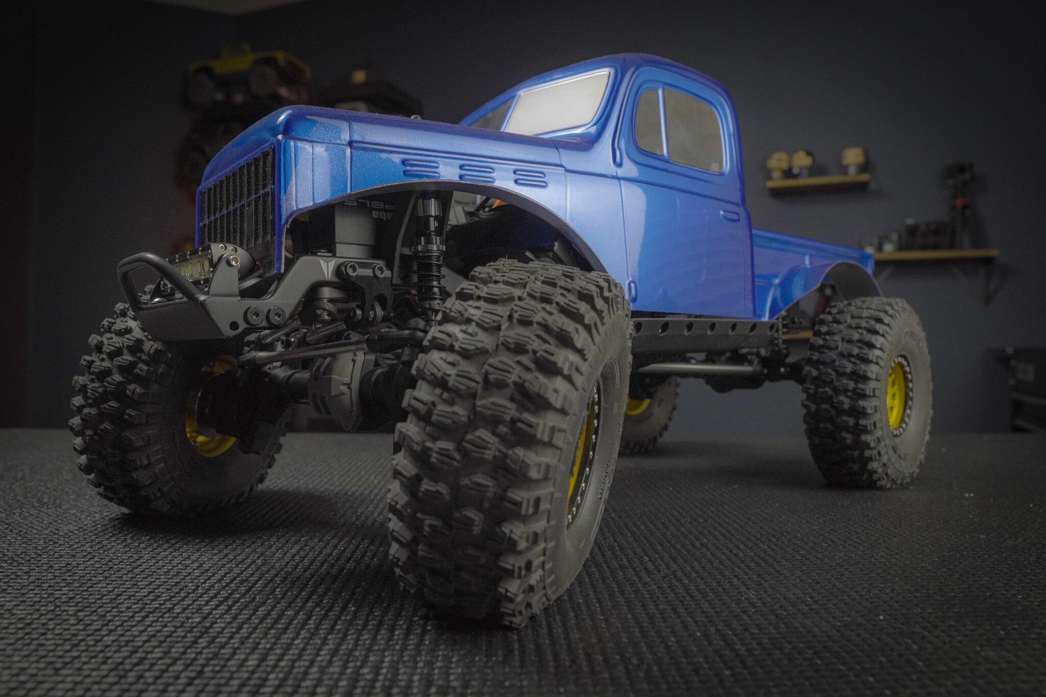 TRX4 VS4-10 Power Wagon - A fun and simple experiment to throw the a set of TRX4 axles under a Vanquish Products VS4-10 Chassis kit with other common parts!