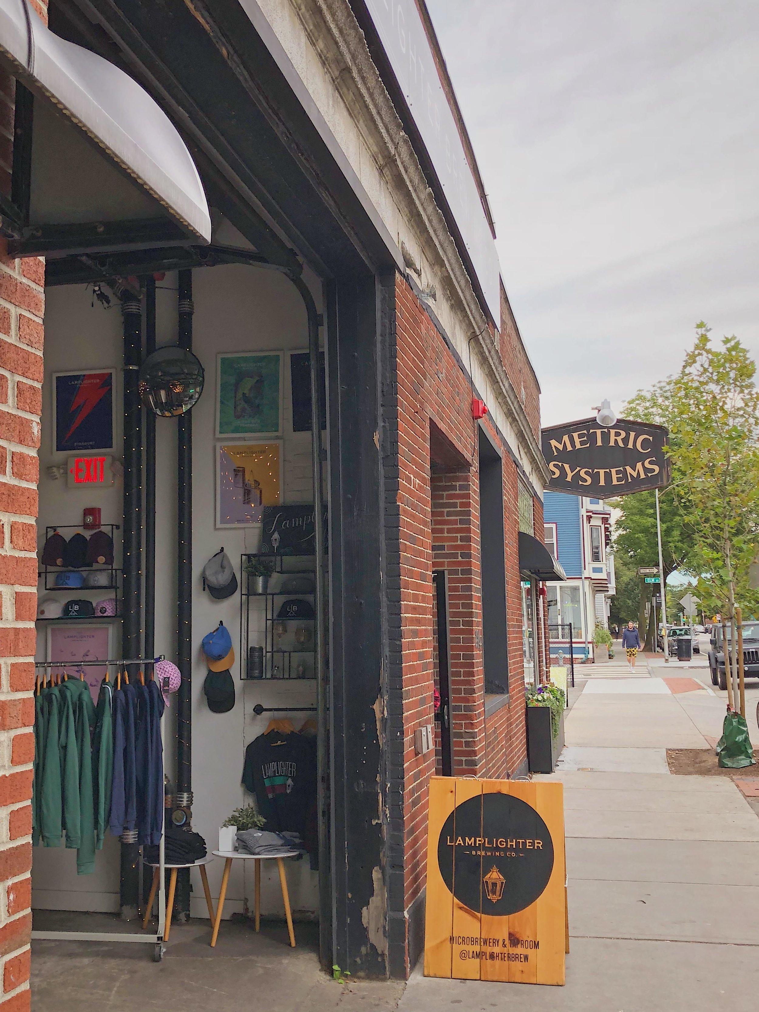 Cambridge (US) - 1. Broadsheet Coffee Roasters2. Longfellows3. Diesel CafeFull Boston area list here.
