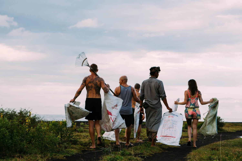 trash-walk-group.jpg