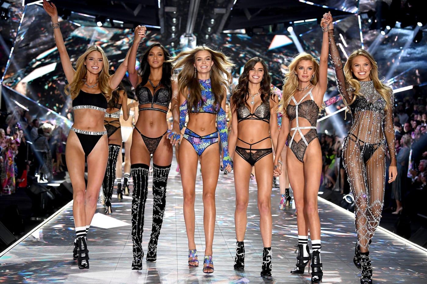 VS Fashion Show Finale, Photo: fashionista.com