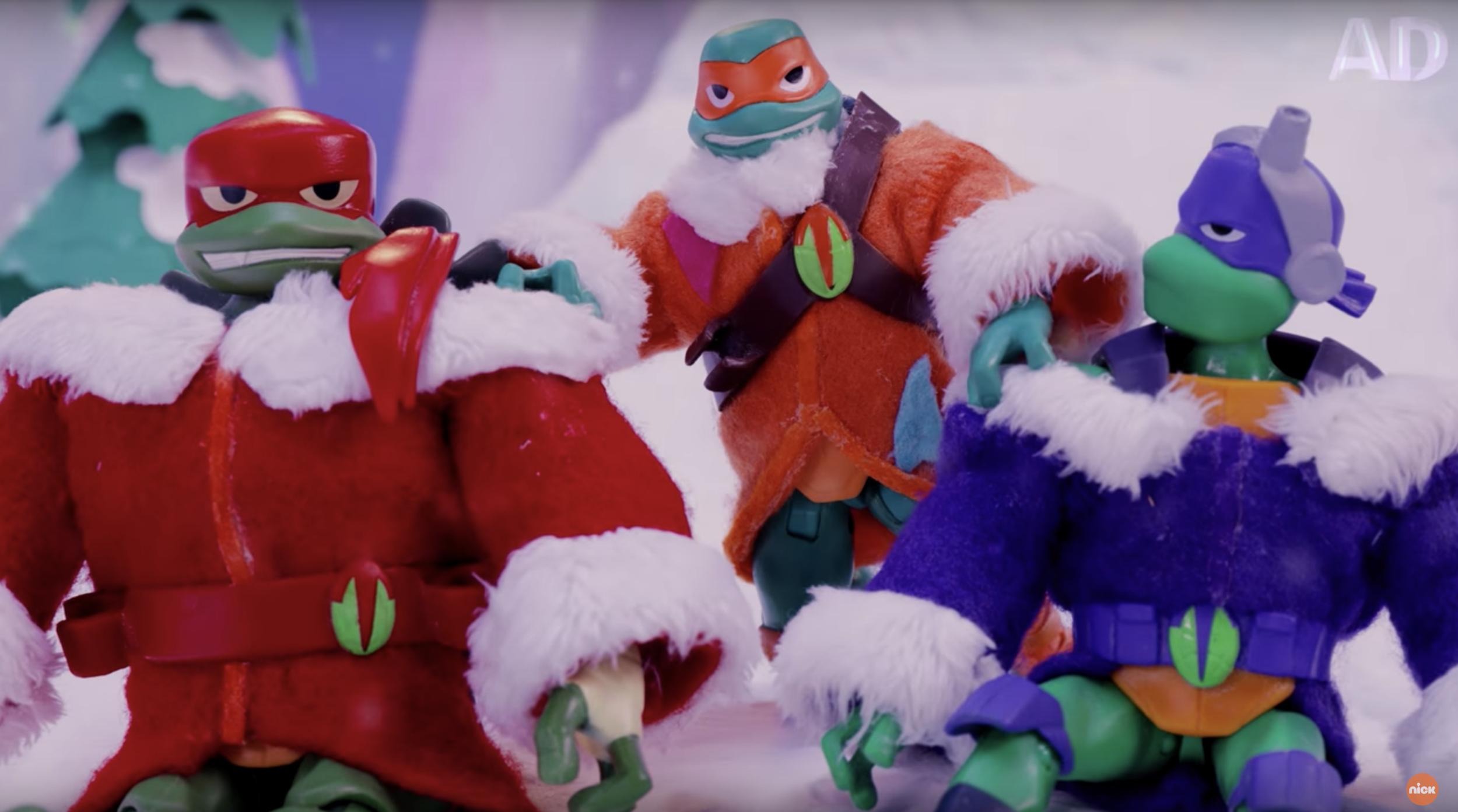 TMNT Action Figures FIGHT Snowmen!
