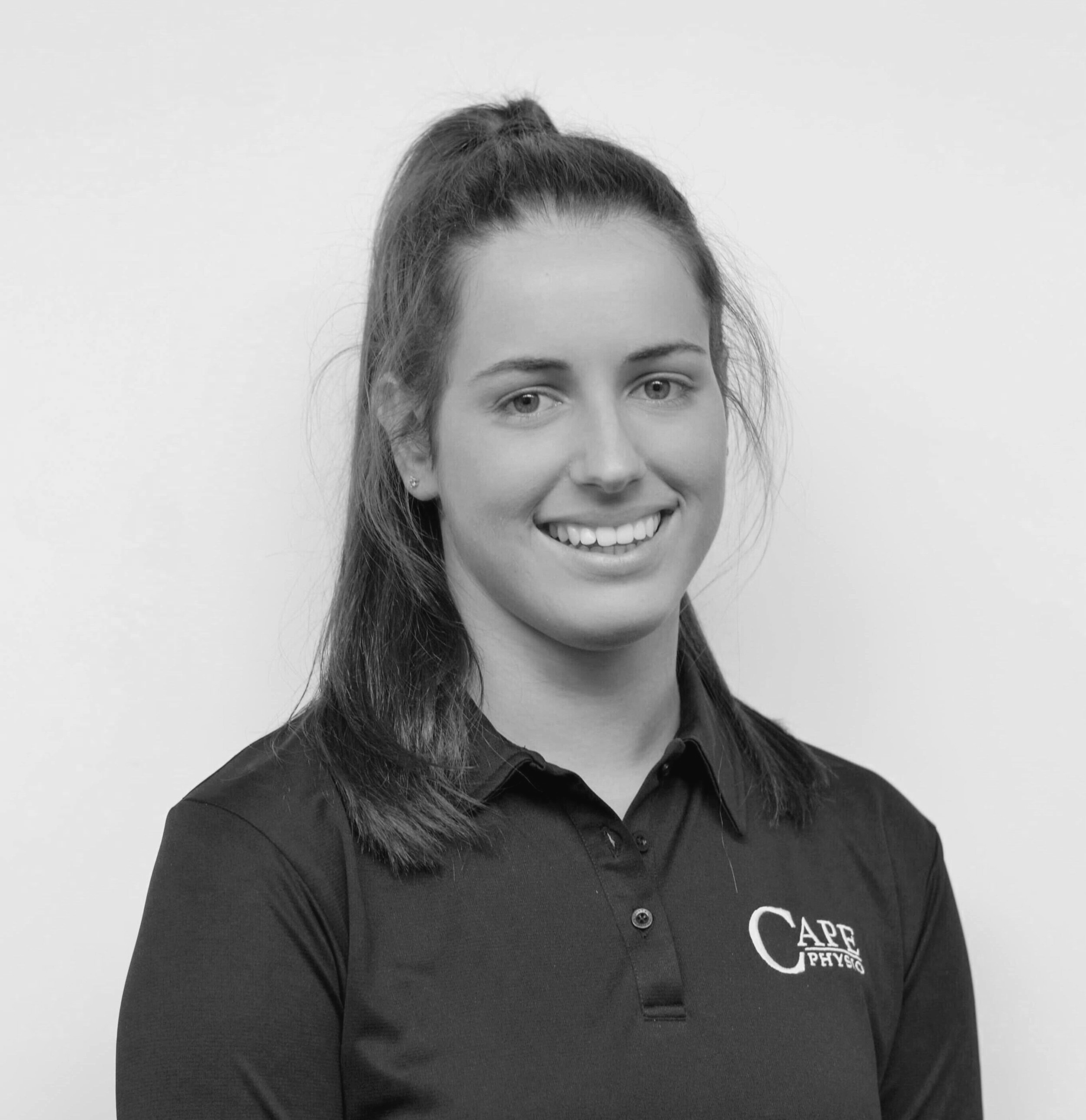 Sophie Martin - Physiotherapist   Sophie grew up on a sheep and beef farm in Manawatu, before heading to Otago to study Physiotherapy. She graduated from University of Otago in 2018 and now enjoying the warmth of the sunny Hawkes Bay. She's also an umpire for Hawkes Bay Netball in her spare time.